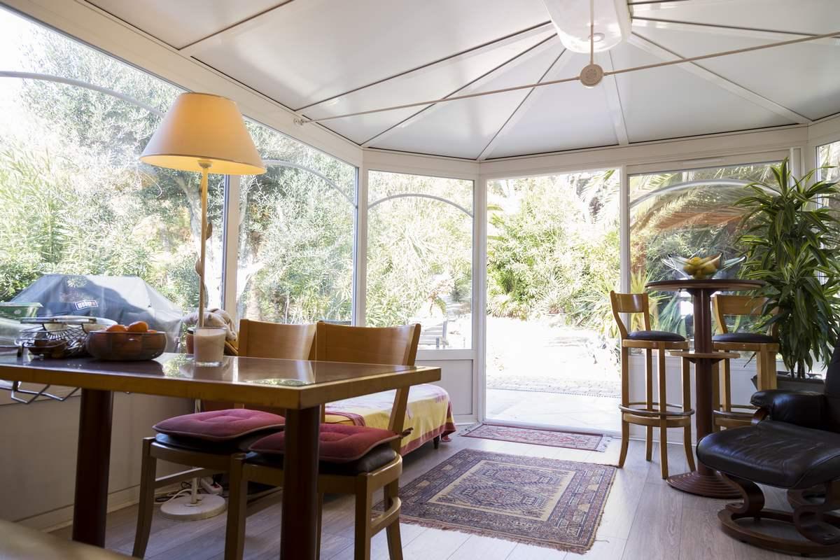 veranda aluminium opter pour une v randa en alu gage de qualit. Black Bedroom Furniture Sets. Home Design Ideas